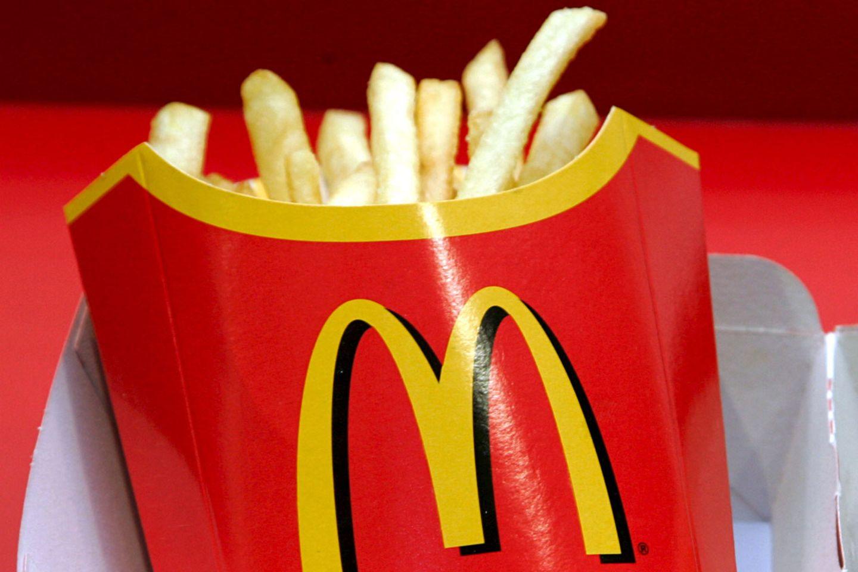 Nur Kartoffel und Frittieröl? Falsch gedacht. In den Pommes frites von McDonald's steckt viel mehr drin.