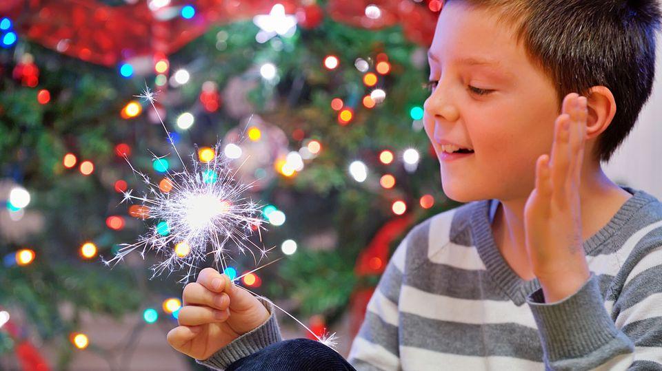 Wunderkerzen sehen schön aus - und sind auch für Kinderhände geeignet.