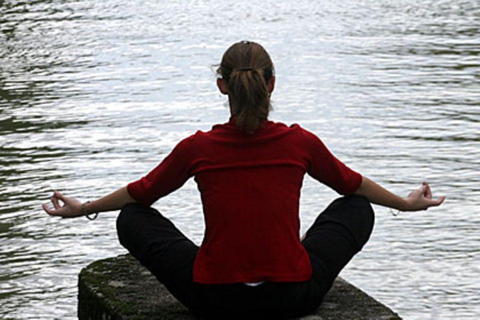 Ruhe und Gelassenheit finden - auch dabei hilft Yoga