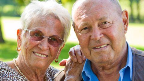 Dank ihres soliden Zinses können Banksparpläne für finanzielle Sicherheit im Alter sorgen