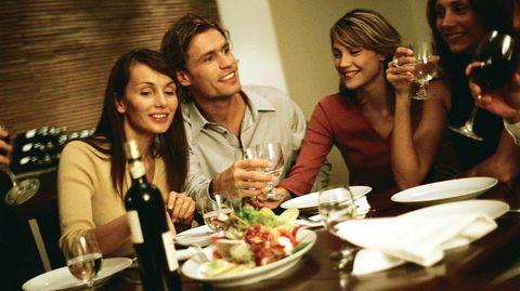 Diäten gibt es heute viele - für jeden Geschmack die richtige. Wir haben die aktuellen Abnehm-Trends unter die Lupe genommen.