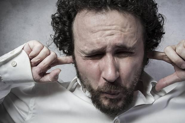 Es ist zum Mäusemelken: Veganer haben es schlichtweg nicht leicht, denn sie müssen viele Phrasen und Fragen über sich ergehen lassen. Klar, dass man manchmal einfach auf Durchzug schalten muss.