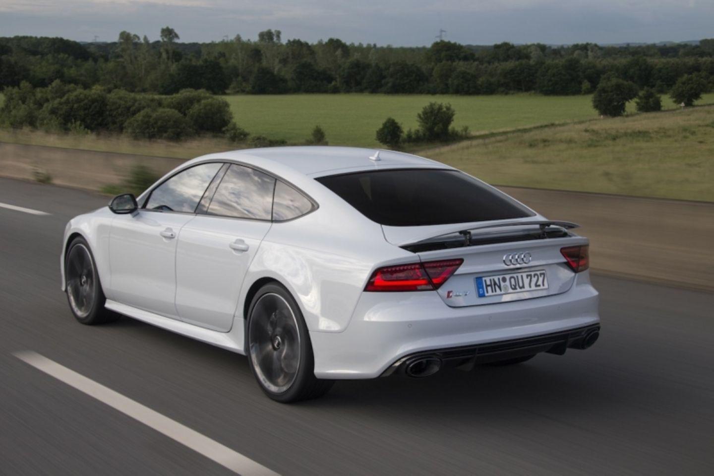 Für den Audi RS 7 Sportback gibt es zwei Extra-Pakete, die die Höchstgeschwindigkeit erhöhen.