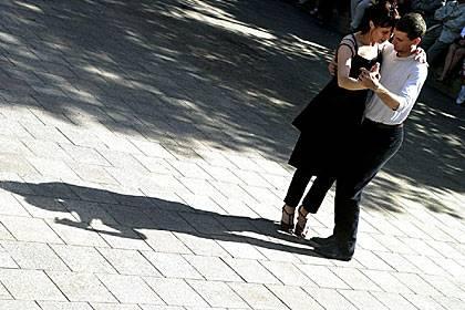Beim Tanzen werden die Knochen vielfältiger belastet und damit auch umso resistenter