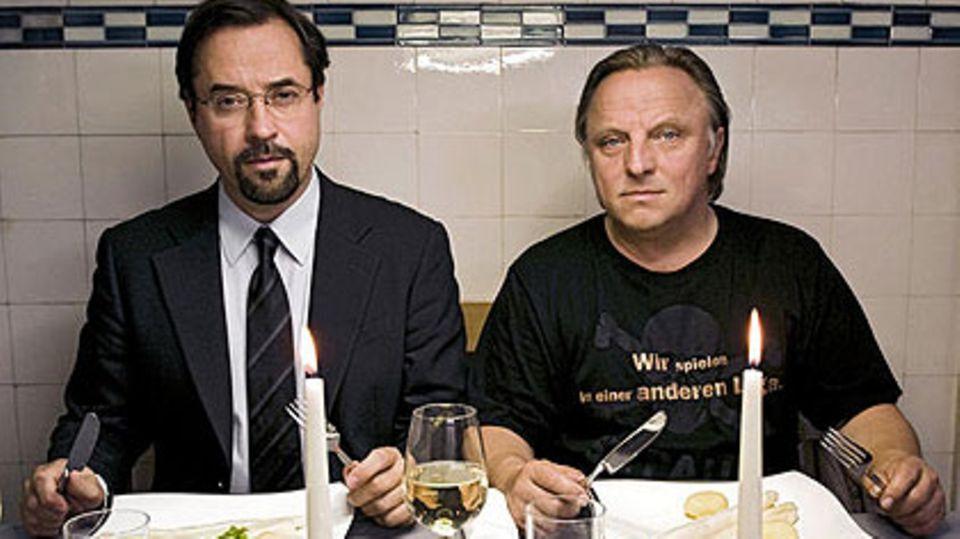 """Diese beiden Ermittler muss man einfach mögen: Professor Karl-Friedrich Boerne (Jan Josef Liefers) und Kommissar Frank Thiel (Axel Prahl, r.) vom Münsteraner """"Tatort"""""""