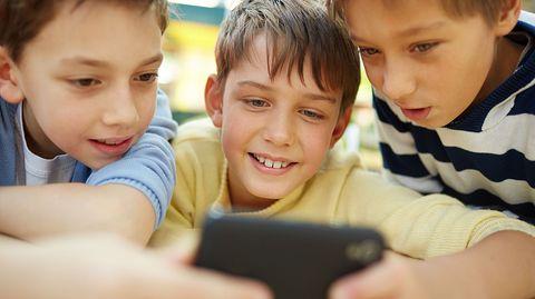 Das Smartphone ist das liebste Gerät vieler Kinder