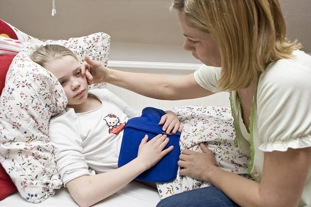 Eltern in Frankreich dürfen zwar bis zu vier Monate ausfallen, um ein krankes Kind zu pflegen, erhalten in dieser Zeit aber nur einen Bruchteil ihres normalen Gehalts