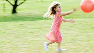 Tollen und toben erlaubt! Kinder mit Diabetes sollen sich sogar bewegen
