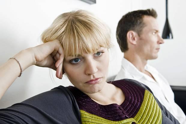 Studien zeigen, dass Frauen emotionale Untreue eher zu schaffen macht als der körperliche Akt an sich. Bei Männern ist es umgekehrt. Das gilt aber nur für heterosexuelle Menschen.