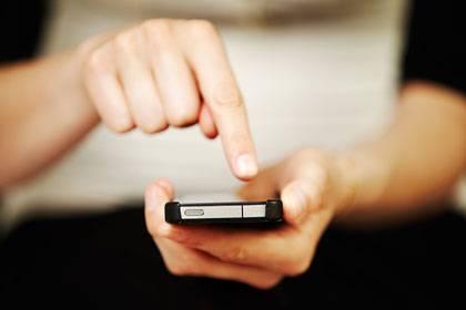 Vorsicht vor Geräten mit SIM-Lock: Wollen Sie während der Vertragslaufzeit das Netz wechseln, kann das teuer werden