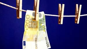 Regierung hat Versäumnise im Kampf gegen Geldwäsche offen zugegeben