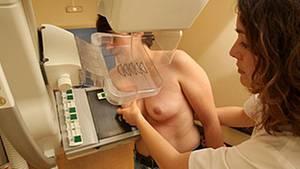 Frauen zwischen 50 und 69 können alle zwei Jahre am Mammografie-Screening teilnehmen