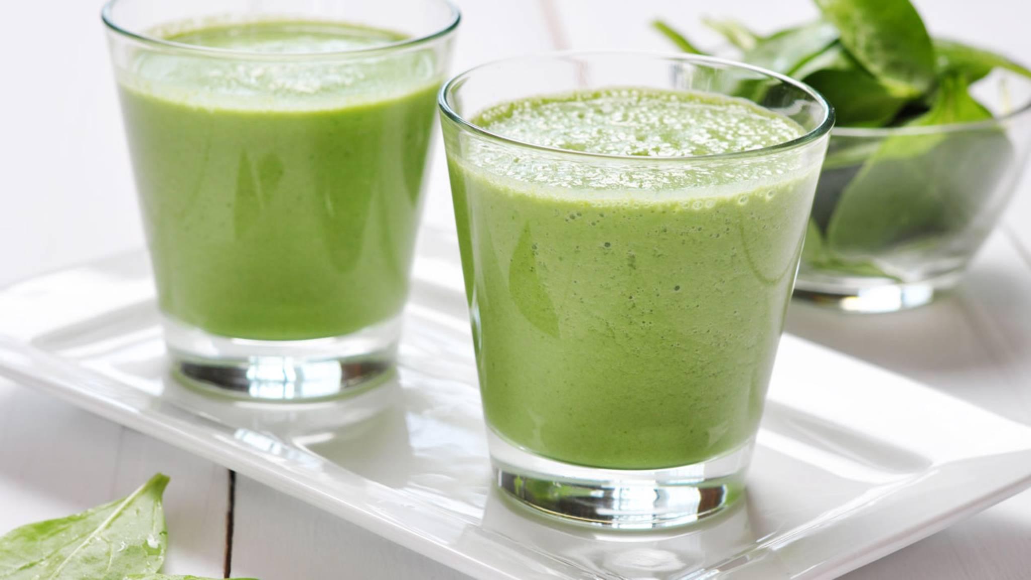 Was grüner Saft enthält, um Gewicht zu verlieren
