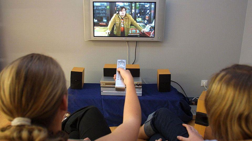 Die Deutschen verbringen ihre Freizeit am liebsten vor dem Fernseher