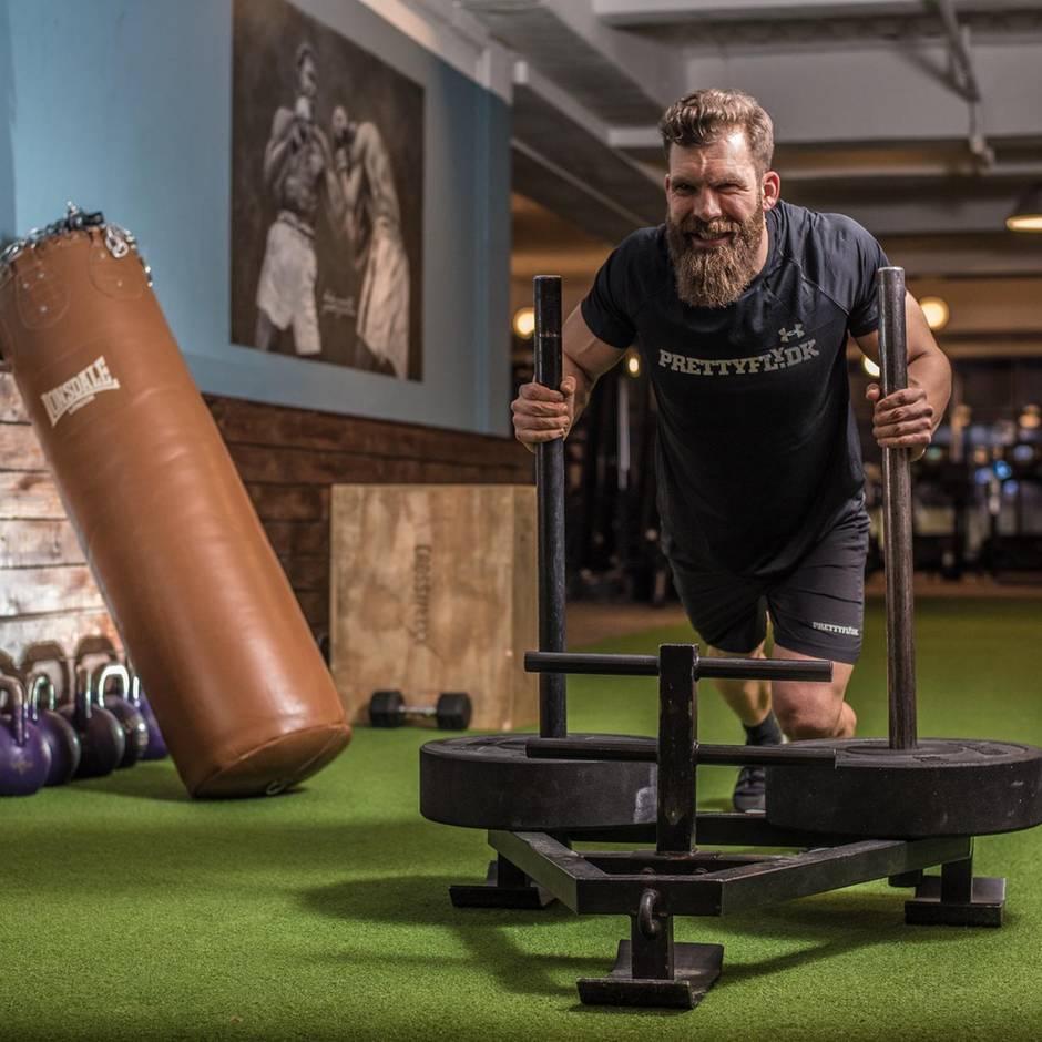 Männlicher Fitnesswahn: Im Reich von Stahl und Schmerzen