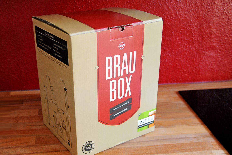 Mithilfe dieser Braubox lässt sich ohne großes Vorwissen und ohne besondere Ausrüstung Bier brauen. Sie ist zum Preis von 69 Euro über die Website besserbrauer.de zu beziehen.