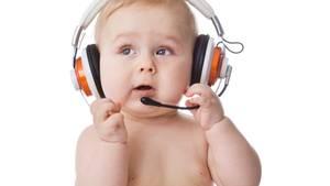 Im Babyhirn ist einiges los, auch im motorischen Zentrum - und das schon lange, bevor das erste Wort fällt