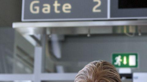Angeblich hatte der Boulevard-Redakteuer seinen Flug verpasst und machte für sein Kamerateam Furore auf dem Flughafen