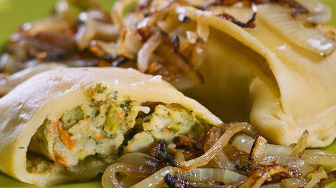 Geheimversteck aus Teig: Schwäbische Maultaschen mit Fleisch- und Brätfüllung und Zwiebeln. Es gibt sie aber auch vegetarisch mit Spinat. Das mochten die Mönche wohl nicht?