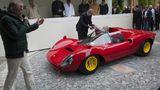 Stolz präsentieren die Teilnehmer auf dem Concorso ihre Autos