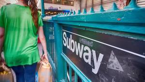 Bus statt Bahn hieß es für zahlreiche Fahrgäste der New Yorker U-Bahn: Der Grund für den Ersatzverkehr waren zwei entlaufene Kätzchen
