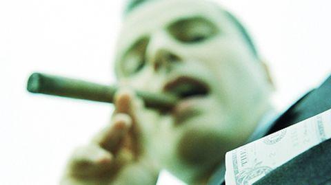 Die Zigarre glimmt, das Geld sitzt locker: Die Maßnahmen gegen Spekulanten gehen längst nicht weit genug, meint Max Josef Strauß
