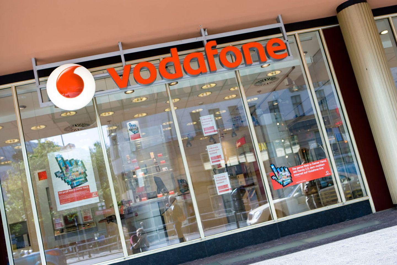 """Welcher Mobilfunkanbieter hat die besten Handyshops? Vodafone gewann den großen """"Connect""""-Test."""