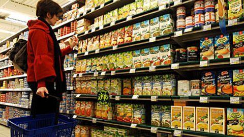 Um einen Blick auf die Zutatenliste kommt der Verbraucher beim Einkauf häufig nicht rum