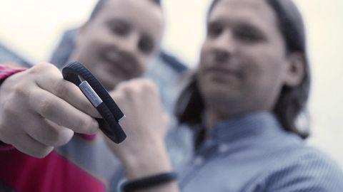 Das Up-Armband von Jawbone will Personal Trainer, Ernährungscoach und Schlafzentrum in einem sein. Doch was taugt es wirklich?