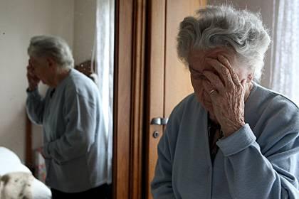 Besonders alte Menschen befällt eine Demenzerkrankung