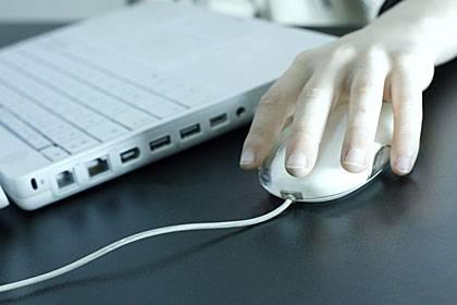 Wie besessen fahnden Cyberchonder im Netz nach passenden Diagnosen - und geraten dabei vom Harmlosen zum Tödlichen