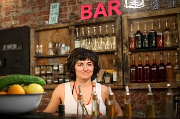 """Anna Lai ist ein Food-Junkie. Die gebürtige Italienerin lebte in New York und in Berlin. In der Markthalle 9 betreibt sie den """"Big Stuff Smoked BBQ""""-Stand."""