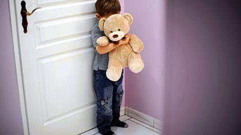 Opfer Kind: Eine Mutter aus dem Großraum München soll ihren eigenen Sohn sexuell missbraucht haben (Symbolfoto)