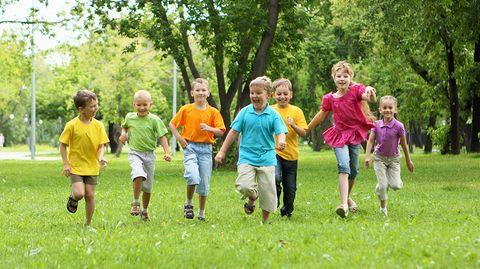 Freunde sind für Kinder fast genauso wichtig wie ihre Familien