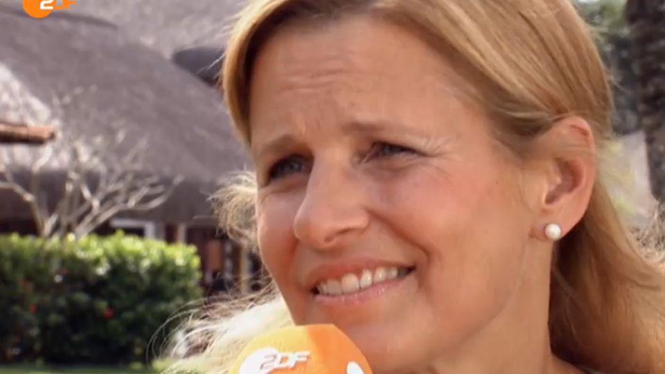 Ihren Idolen ganz nah: Katrin Müller-Hohenstein im Quartier der deutschen Nationalmannschaft