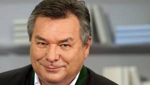 """Kursiert im Fernsehen unter der Rubrik """"Fußballexperte"""": Waldemar Hartmann"""