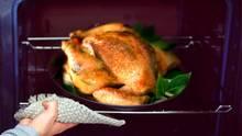 Sie darf bei vielen an Weihnachten nicht fehlen: Die Pute. Doch was bedeutet die Vogelgrippe für unser Festtagsmahl?