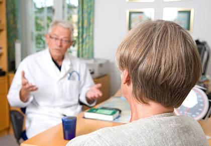 Dem Arzt gut informiert gegenüber treten, kann Kosten sparen