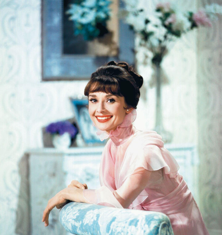 "Audrey Hepburn bei den Dreharbeiten zur Musical-Verfilmung ""My Fair Lady"".  www.taschen.com"