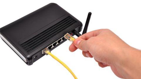 Einstecken und los geht's: Viele Internetanbieter bevormunden ihre Kunden mit simplen Installationsroutinen