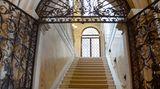 Treppenhaus im ältesten Teil des fünfstöckigen Gebäudes. Nach der aufwendigen Renovierung des Palazzos hat sich die alte Adelsfamilie in die Räume unter dem Dach zurückgezogen.