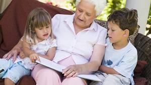 Wenn eine Bindung zu den Enkeln besteht, müssen Großeltern als Vormund bevorzugt werden