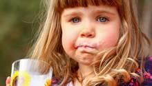 Für Kinder mit Lebensmittelallergie kann schon ein Schluck Milch gefährlich sein