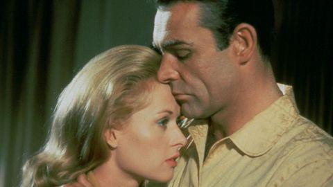 Mark (Sean Connery) versucht Marnie (Tippi Hedren) ein neues Leben aufzubauen.