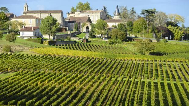 Das Bordeaux hat grandiose, vielschichtige und aufregende Weine zu bieten. Auf über 100.000 Hektar wird hier Wein gemacht - und das schon seit der Antike.