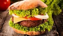 Hmmm, lecker: Saftiger Burger aus der Bratpfanne.