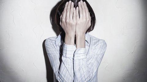 """Mit selbstverletzendem Verhalten stoßen Menschen meist auf Unverständnis. Doch Ritzen, Schneiden und Verbrennen sind mehr als nur ein """"Schrei nach Aufmerksamkeit""""."""