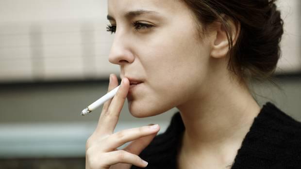 Schluss mit dem Unsinn! Zum Jahreswechsel wollen sich besonders viele Menschen, das Rauchen abgewöhnen