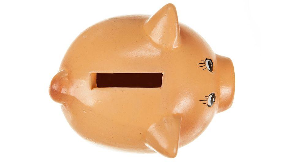 Kleines Glück so ganz nebenbei: ein prall gefülltes Sparschwein