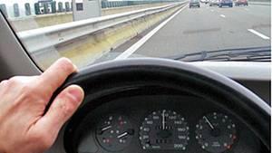 Ein Alptraum: Hacker übernehmen in voller Fahrt die Kontrolle des Fahrzeugs